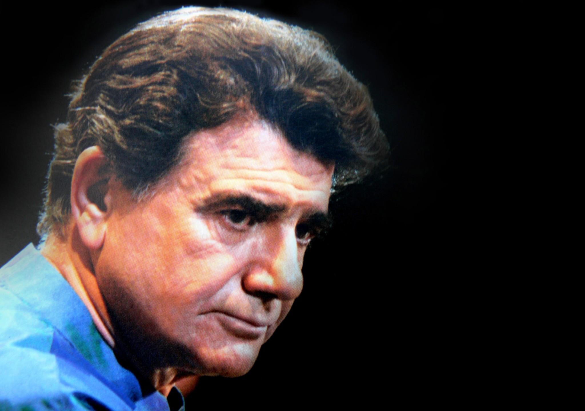 استاد آواز موسیقی ایرانی محمدرضا شجریان در لیست ۵۰ صدای برتر جهان قرار گرفت در طی یک نظرسنجی که در رادیوی عمومی آمریکا برگزار شد.