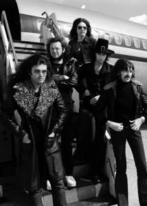 دیپ پرپل (Deep Purple) نام یک گروه راک انگلیسی است که کار خود را از سال ۱۹۶۸ در هارفوردشایر شروع نمود. دیپ پرپل را یکی از پیشگامانِ موسیقی هارد راکِ مدرن در نظر میگیرند.