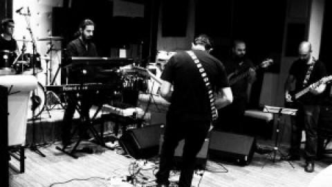 داتیک بدنبال ضبط اولین آلبوم