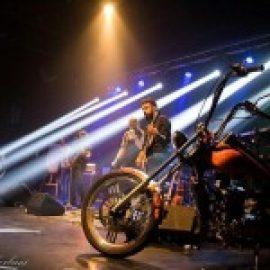 غرش آسمان، اولین اجرای انحصاری گروه آسفالت در شب شنبه ها