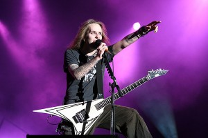 تب و نت Bed Of Razors از Children Of Bodom