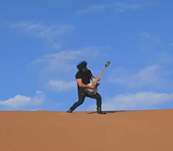 موزیک ویدئو یکه تاز از گروه مغاک موزیک : امیرحسین امیری ویدئو : پریسا باجلان کارگردان : سعید باجلان