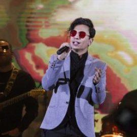 محسن ابراهیم زاده در شب سرد سالن میلاد عاشق شد! | گزارش تصویری موسیقی ایرانیان
